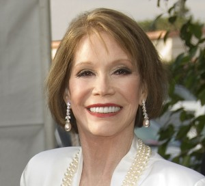 Mary Tyler Moore Honored With 2011 Screen Actors Guild Life Achievement Award