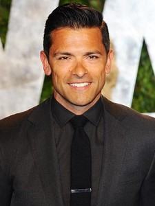 mark-consuelos-300