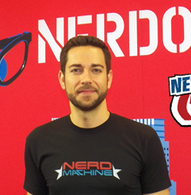 Zachary Levi Raises Money For Operation Smile at NYCC